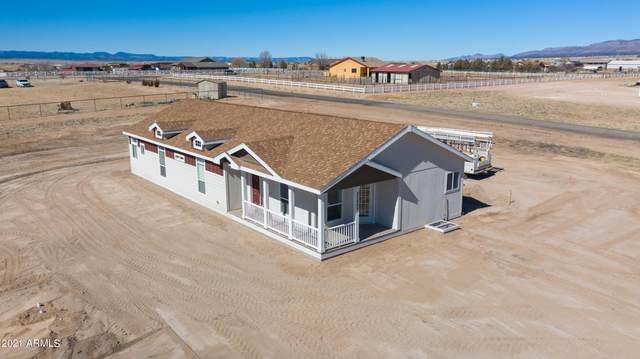 25862 N Riesling Lane, Paulden, AZ 86334 (MLS #6210711) :: Yost Realty Group at RE/MAX Casa Grande