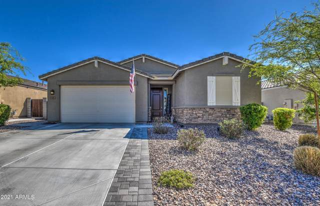 557 W Chapawee Trail, San Tan Valley, AZ 85140 (MLS #6211865) :: Executive Realty Advisors