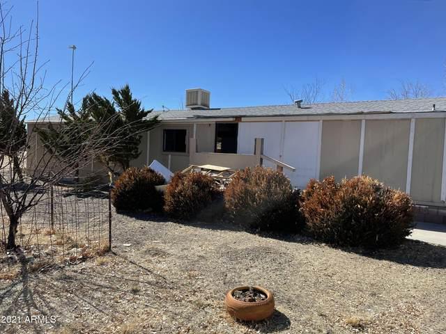 18442 S Pioneer Avenue, Peeples Valley, AZ 86332 (MLS #6212802) :: Yost Realty Group at RE/MAX Casa Grande
