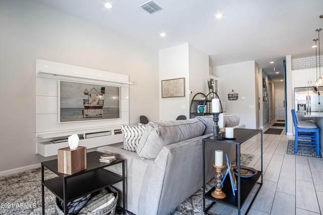 18205 N 66TH Way, Phoenix, AZ 85054 (MLS #6215919) :: Yost Realty Group at RE/MAX Casa Grande