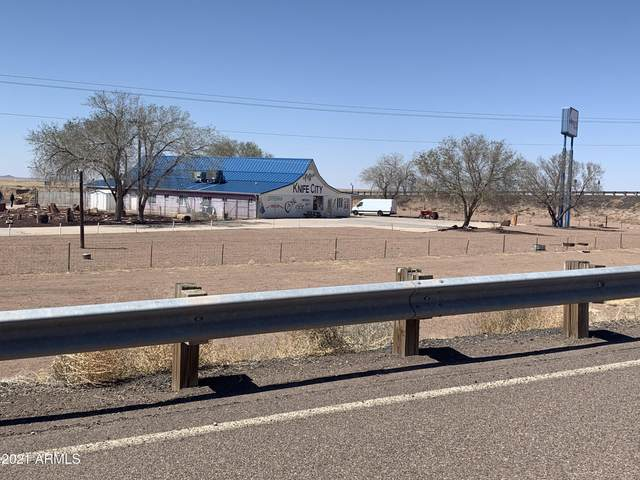 7622 Roulette Avenue, Holbrook, AZ 86029 (MLS #6216773) :: Yost Realty Group at RE/MAX Casa Grande