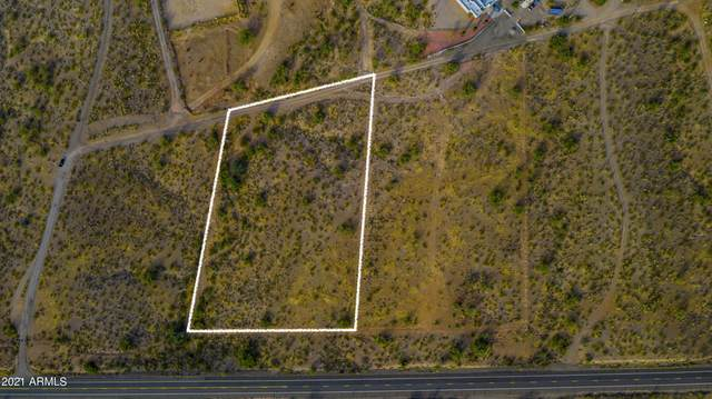 40000 N 253rd Lot 3 Road, Morristown, AZ 85342 (MLS #6217589) :: Yost Realty Group at RE/MAX Casa Grande