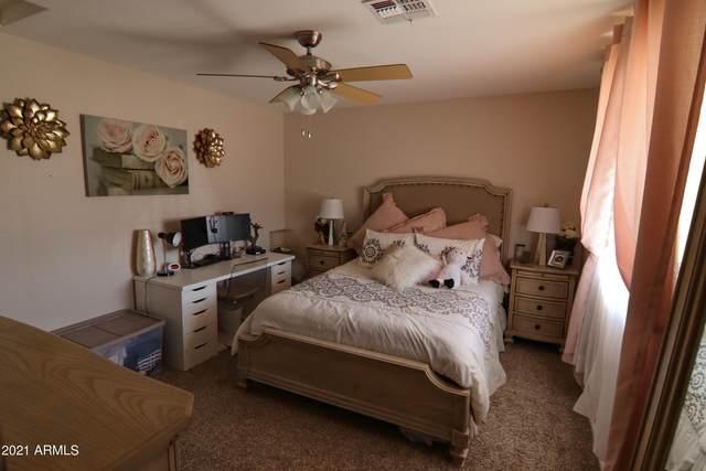 2011 N 201ST Avenue, Buckeye, AZ 85396 (MLS #6217815) :: Yost Realty Group at RE/MAX Casa Grande