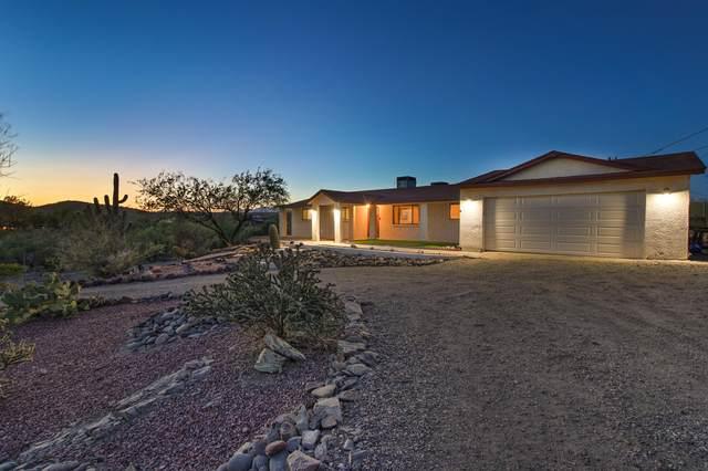 2584 W Roughrider Road, New River, AZ 85087 (MLS #6218818) :: Yost Realty Group at RE/MAX Casa Grande
