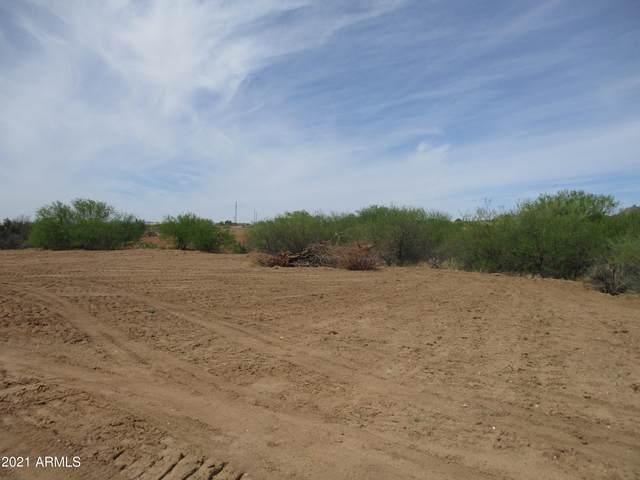 27240 S Old School Road, Congress, AZ 85332 (MLS #6220187) :: Yost Realty Group at RE/MAX Casa Grande