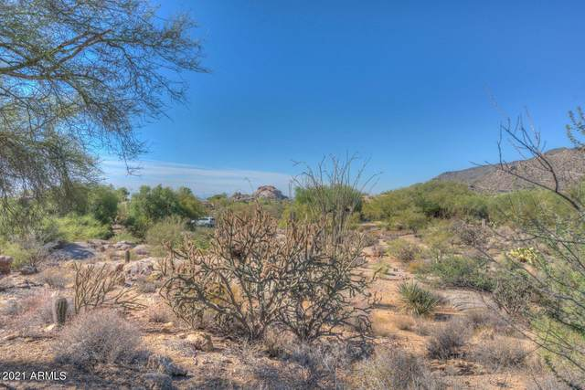 3049 Ironwood Road, Carefree, AZ 85377 (MLS #6220415) :: TIBBS Realty
