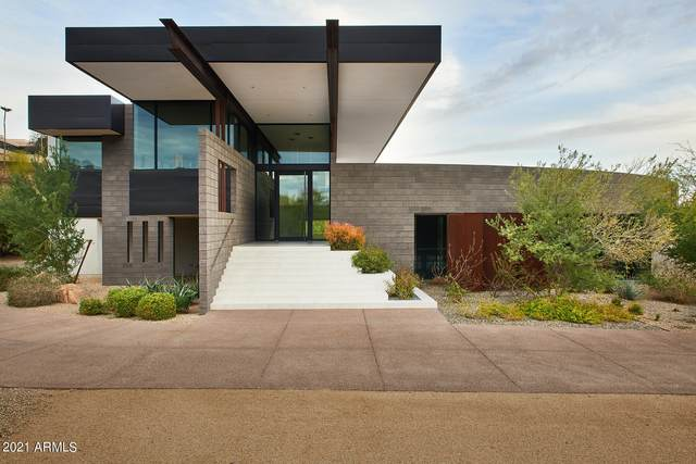 6101 N 38TH Place, Paradise Valley, AZ 85253 (MLS #6220937) :: The Newman Team