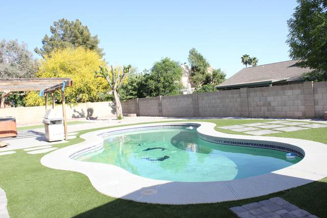 6029 W Pershing Avenue, Glendale, AZ 85304 (MLS #6221632) :: Openshaw Real Estate Group in partnership with The Jesse Herfel Real Estate Group