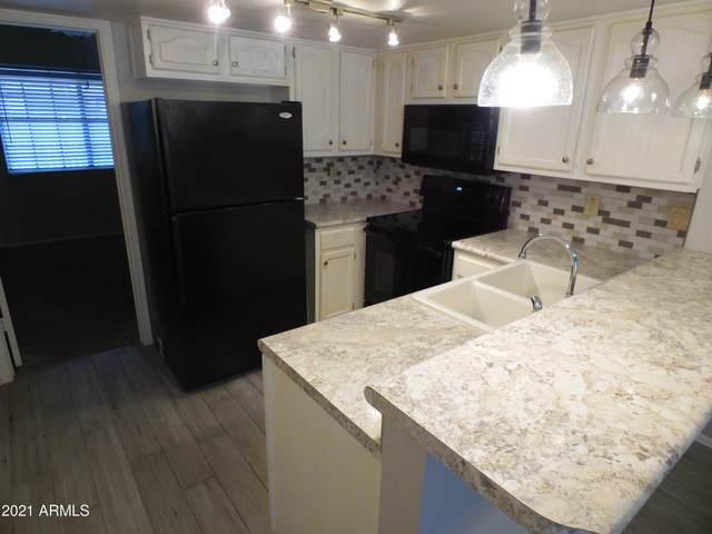 6604 W Kingston Lane, Glendale, AZ 85306 (MLS #6222322) :: Sheli Stoddart Team | M.A.Z. Realty Professionals