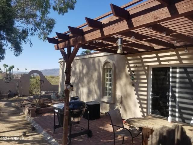 7501 E Happy Hollow Drive #4, Carefree, AZ 85377 (MLS #6222561) :: The Luna Team