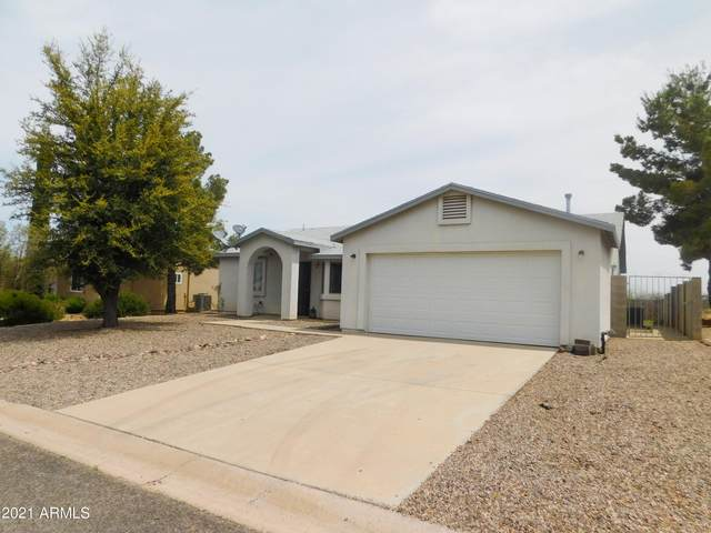 112 Buffalo Drive, Huachuca City, AZ 85616 (MLS #6223469) :: Yost Realty Group at RE/MAX Casa Grande
