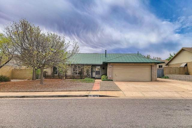 3272 E Village Drive, Sierra Vista, AZ 85635 (MLS #6223582) :: Yost Realty Group at RE/MAX Casa Grande