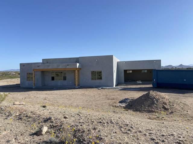 940 Via Marcia, Wickenburg, AZ 85390 (MLS #6223765) :: Yost Realty Group at RE/MAX Casa Grande