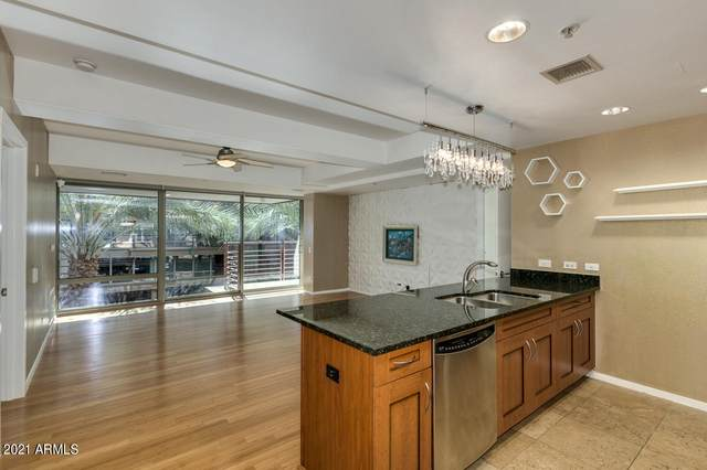 7137 E Rancho Vista Drive #3004, Scottsdale, AZ 85251 (MLS #6225279) :: Openshaw Real Estate Group in partnership with The Jesse Herfel Real Estate Group