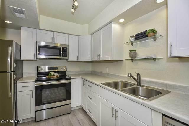 9050 N 51ST Lane, Glendale, AZ 85302 (MLS #6225304) :: Yost Realty Group at RE/MAX Casa Grande