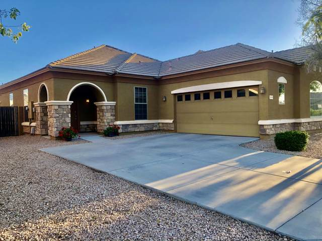 2839 E Sports Court, Gilbert, AZ 85298 (MLS #6226726) :: The Luna Team