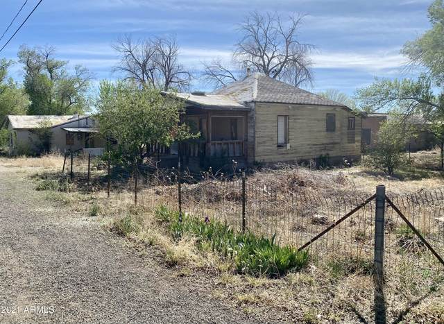 54230 N Main Street, Seligman, AZ 86337 (MLS #6231292) :: The Ellens Team