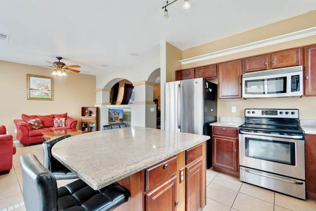 18102 W Elm Street, Surprise, AZ 85388 (MLS #6231362) :: My Home Group