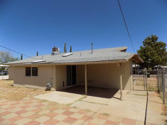 34 NW Kayetan Drive, Sierra Vista, AZ 85635 (MLS #6231787) :: Yost Realty Group at RE/MAX Casa Grande