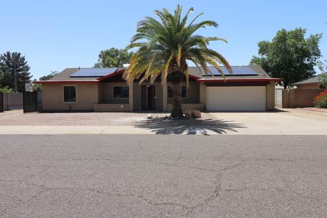 3949 E Paradise Drive, Phoenix, AZ 85028 (#6234157) :: Long Realty Company