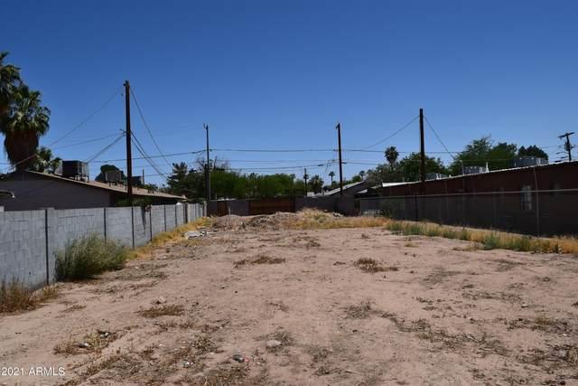 6735 N 61ST Avenue, Glendale, AZ 85301 (MLS #6235297) :: The Luna Team