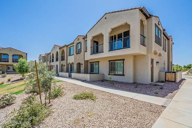 155 N Lakeview Boulevard #155, Chandler, AZ 85225 (MLS #6235886) :: The Newman Team