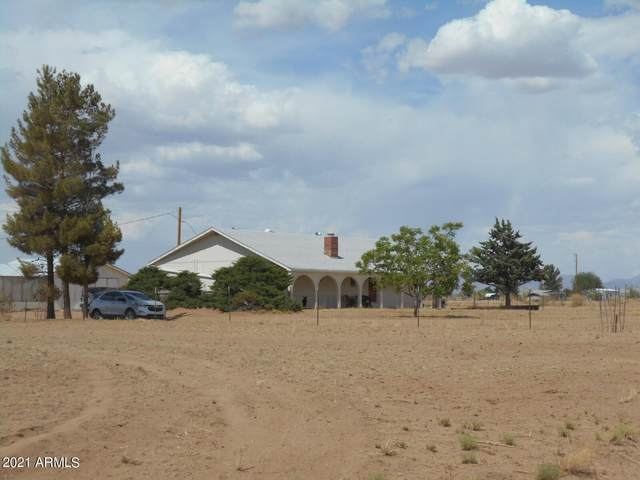 6218 E Chiricahua Drive, Pearce, AZ 85625 (MLS #6247036) :: Power Realty Group Model Home Center