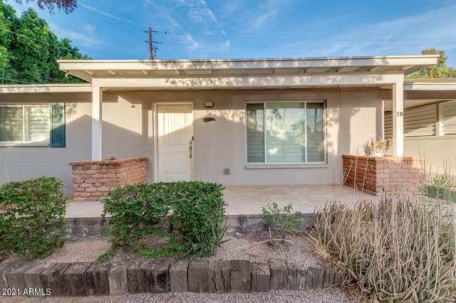 524 W Fairway Drive #10, Mesa, AZ 85201 (MLS #6247857) :: Executive Realty Advisors