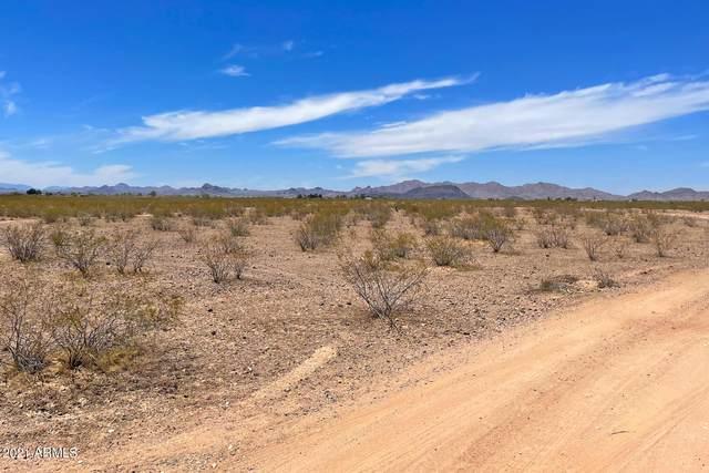 37901 W Camelback Road, Tonopah, AZ 85354 (MLS #6247973) :: Yost Realty Group at RE/MAX Casa Grande