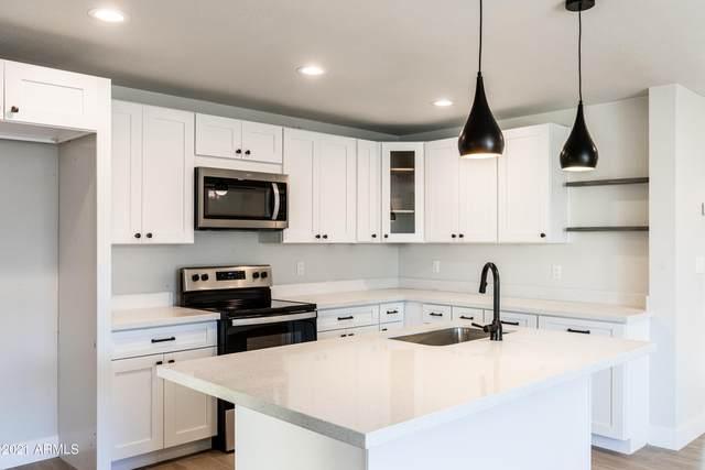 8601 N 53RD Drive, Glendale, AZ 85302 (MLS #6249666) :: Devor Real Estate Associates