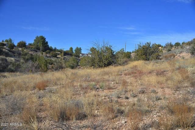 4440 N Eagles Roost Road, Rimrock, AZ 86335 (MLS #6251706) :: Yost Realty Group at RE/MAX Casa Grande