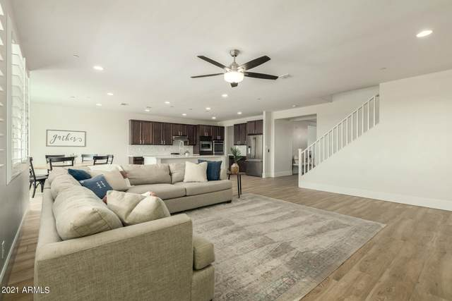 2327 N Beverly Place, Buckeye, AZ 85396 (MLS #6253383) :: Midland Real Estate Alliance