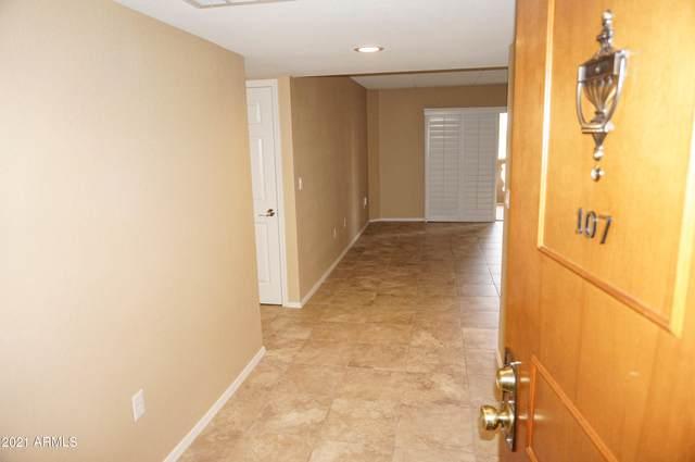 7970 E Camelback Road #107, Scottsdale, AZ 85251 (MLS #6254658) :: The Helping Hands Team