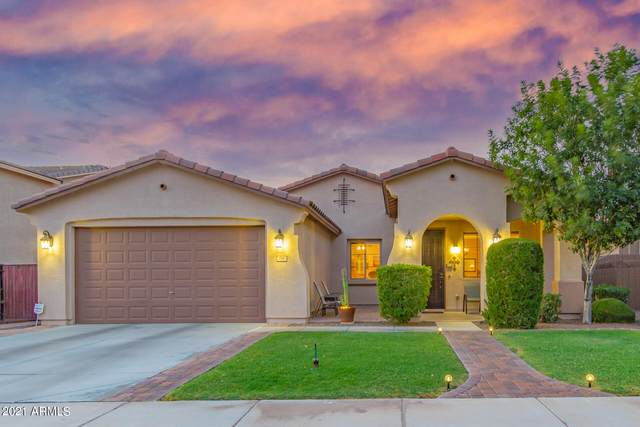 196 W Yellow Wood Avenue, San Tan Valley, AZ 85140 (MLS #6255631) :: Openshaw Real Estate Group in partnership with The Jesse Herfel Real Estate Group