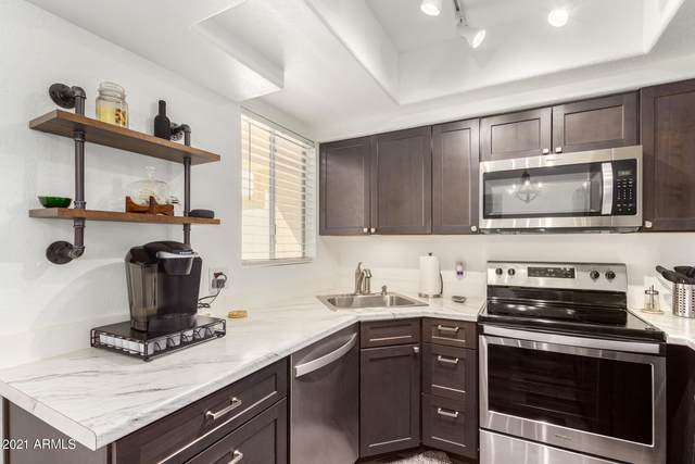 1825 W Ray Road #2077, Chandler, AZ 85224 (MLS #6257897) :: CANAM Realty Group