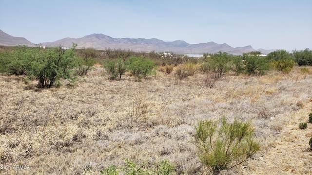 TBD 6.33a Hwy 90, Huachuca City, AZ 85616 (MLS #6262863) :: Yost Realty Group at RE/MAX Casa Grande