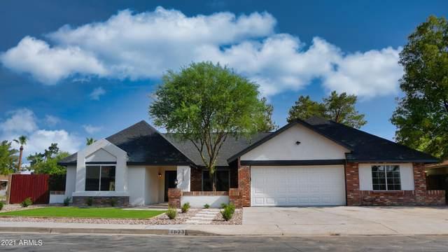 1023 W Meseto Avenue, Mesa, AZ 85210 (MLS #6264467) :: Yost Realty Group at RE/MAX Casa Grande