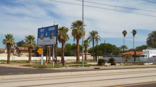 2130 W Main Street, Mesa, AZ 85201 (MLS #6267791) :: CANAM Realty Group