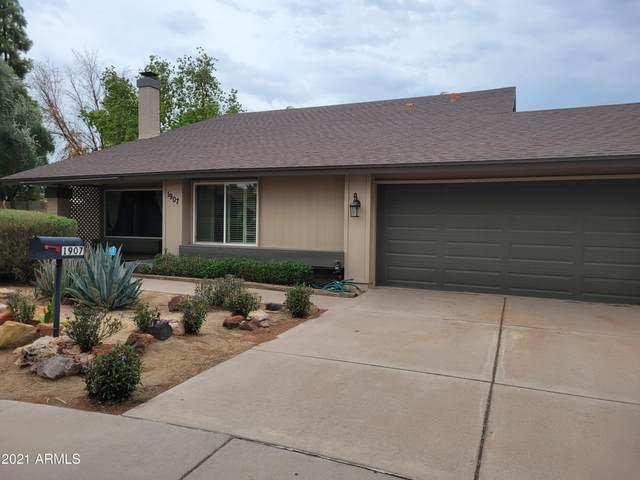 1907 S Henkel Circle, Mesa, AZ 85202 (MLS #6268212) :: Yost Realty Group at RE/MAX Casa Grande