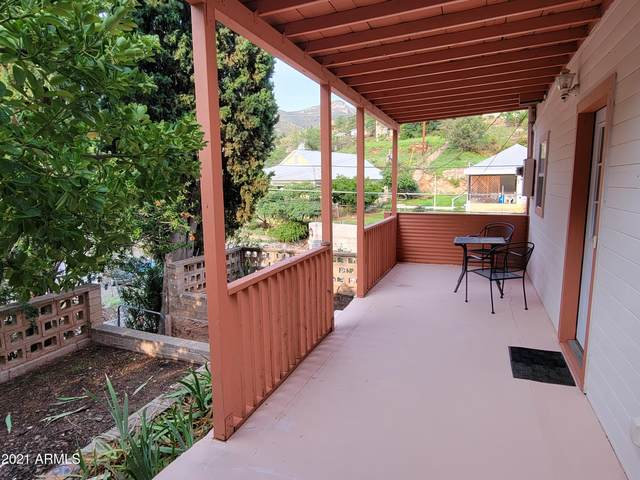 203 Youngblood Hill, Bisbee, AZ 85603 (MLS #6268222) :: Yost Realty Group at RE/MAX Casa Grande