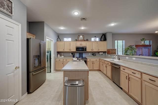 3151 E Gleneagle Drive, Chandler, AZ 85249 (MLS #6270057) :: Yost Realty Group at RE/MAX Casa Grande