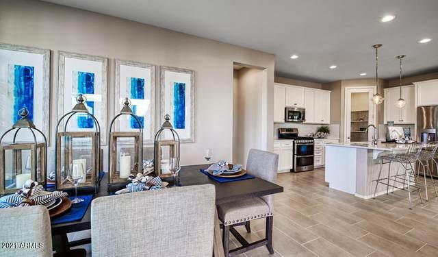 6303 N 67th Lane, Glendale, AZ 85301 (MLS #6270521) :: The Daniel Montez Real Estate Group