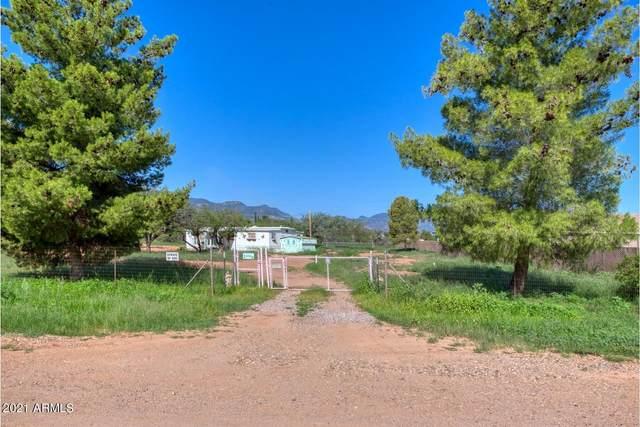 5254 S Santa Claus Avenue, Sierra Vista, AZ 85650 (MLS #6274760) :: Maison DeBlanc Real Estate