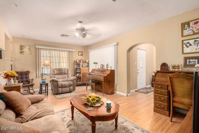 209 W Grove Street, Phoenix, AZ 85041 (MLS #6279663) :: Klaus Team Real Estate Solutions