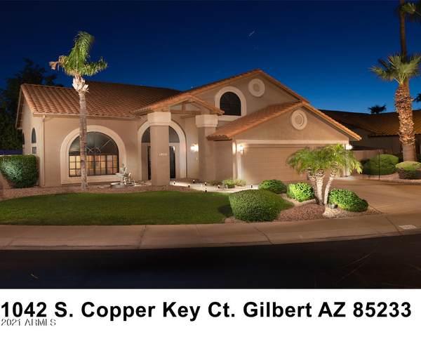 1042 S Copper Key Court, Gilbert, AZ 85233 (MLS #6281907) :: Yost Realty Group at RE/MAX Casa Grande