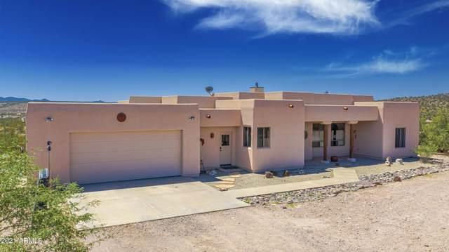 20455 W Coyote Gulch, Wickenburg, AZ 85390 (MLS #6286261) :: Long Realty West Valley