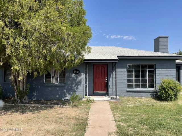 1910 E 9th Street, Douglas, AZ 85607 (MLS #6294424) :: Yost Realty Group at RE/MAX Casa Grande