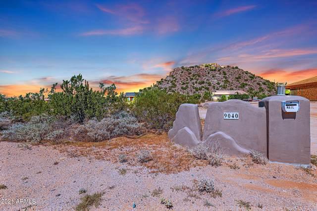 9040 E Mcdowell Road, Mesa, AZ 85207 (MLS #6296181) :: Yost Realty Group at RE/MAX Casa Grande
