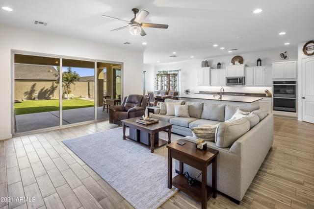 2818 E Inca Lane, San Tan Valley, AZ 85140 (MLS #6297473) :: TIBBS Realty