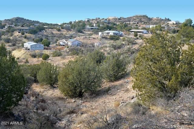 4440 N Eagles Roost Road, Rimrock, AZ 86335 (MLS #6300480) :: Yost Realty Group at RE/MAX Casa Grande